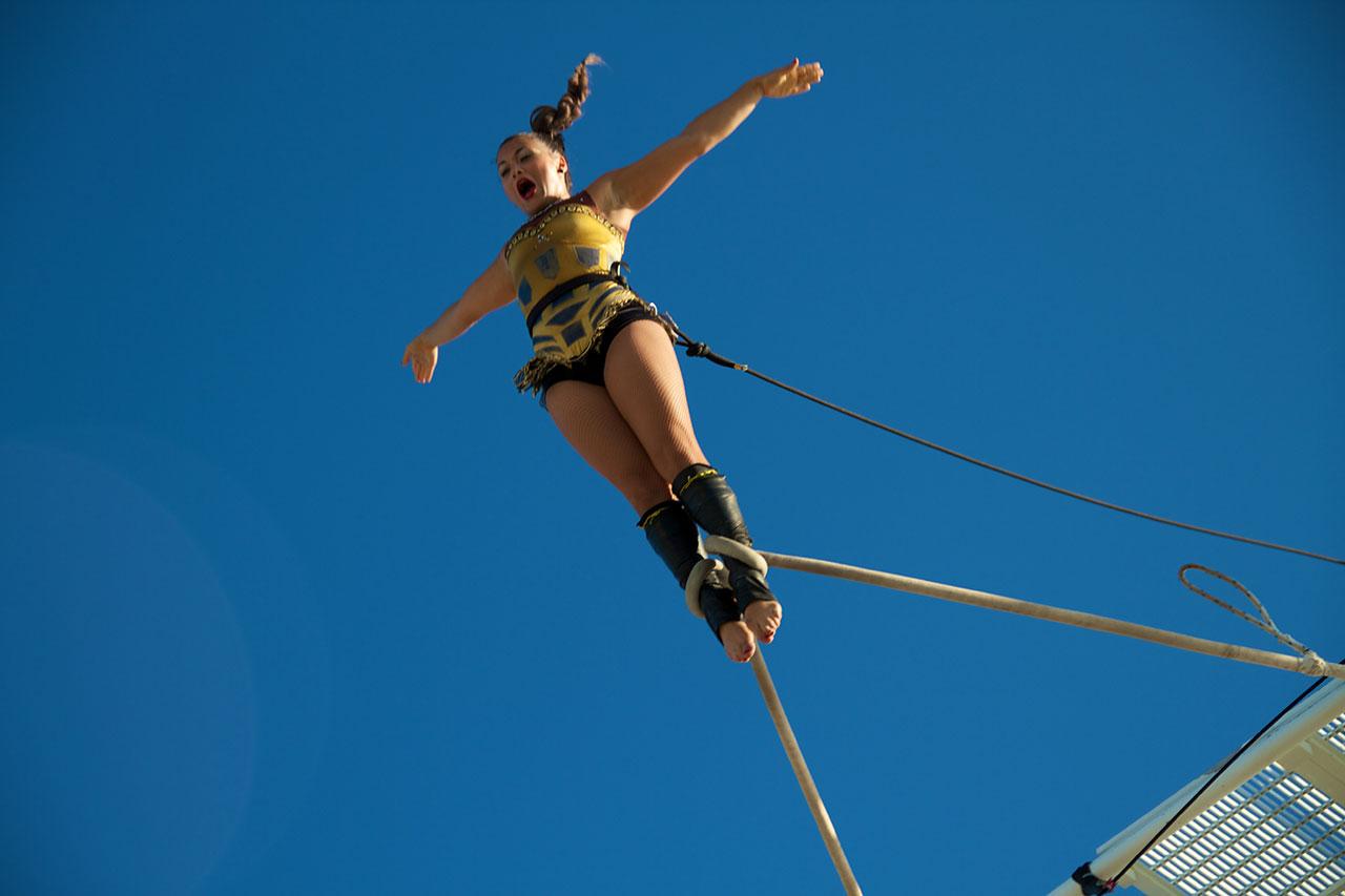 Cloudswing Circus Performer
